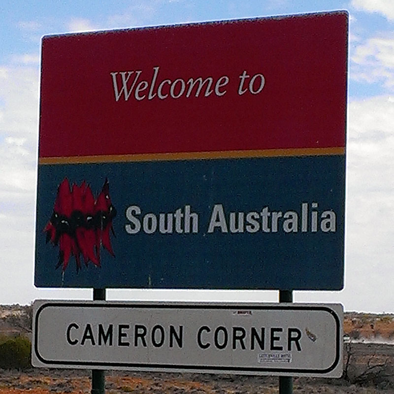 TOWNSVILLE TO ADELAIDE - 14 DAY ACCOMMODATED/CAMPING SAFARI - WITH GUIDE AND HOSTESS